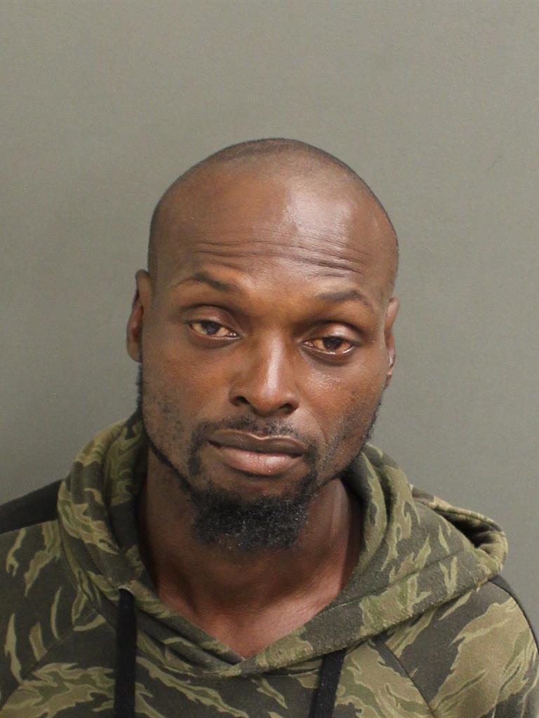 LATANA CORNELINUS FLOYD Mugshot / County Arrests / Orange County Arrests